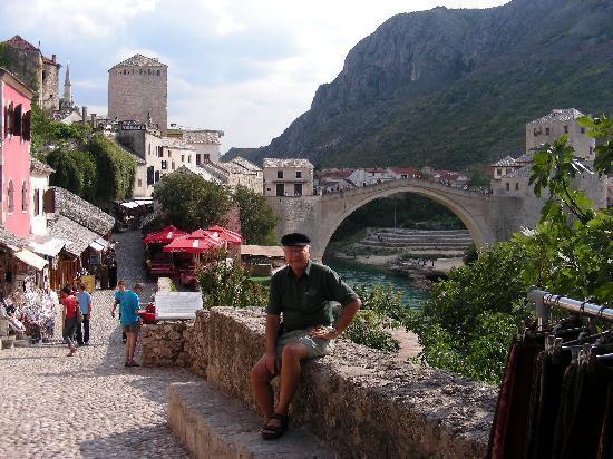 Bosnian National Monument Muslibegovic House Hotel: Bill & bridge