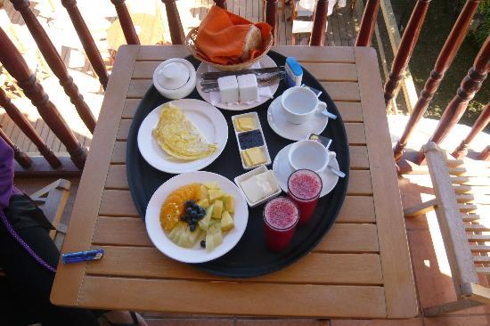 Restaurant & Hotel Medio Mundo: Breakfast on the balcony