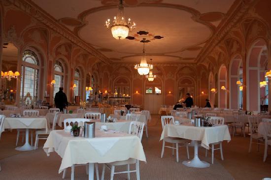 Eden Palace au Lac: breakfast room
