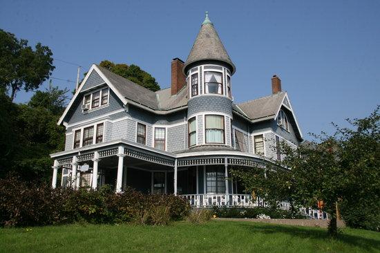 Hancock House B and B: The Hancock House