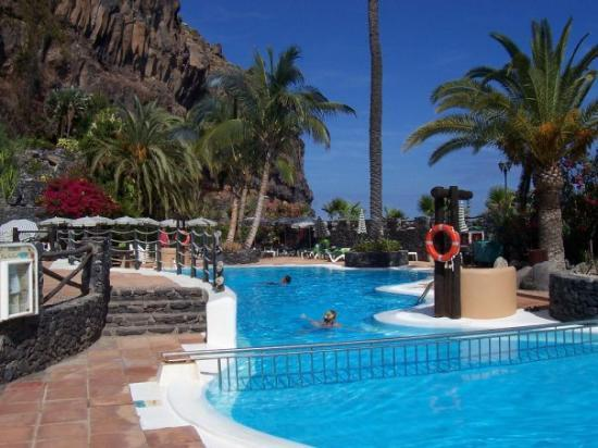 La Gomera, Playa Santiago, Hotel Jardin Tecina, am unteren Pool im Club Laurel