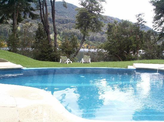 Hosteria Patagonia Paraiso: The heated pool.