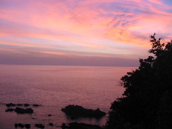 Eyes Lanta Resort : sunset from bungalow