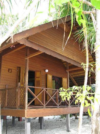 Lankayan Island Dive Resort: Beach-front chalet
