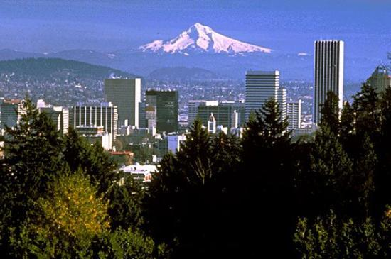 Portland, OR with Mt. Hood in the background. - Picture of Portland, Oregon  - Tripadvisor