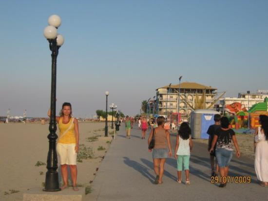 Neoi Poroi, Greece: N.Poroi