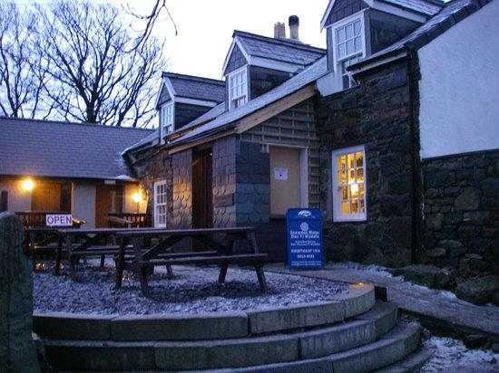 Pen-y-Ceunant Isaf Tea House: View of Ceunant Tea Rooms