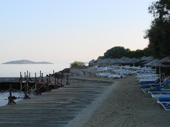 Hotel Ora Holiday Village : plage !!!