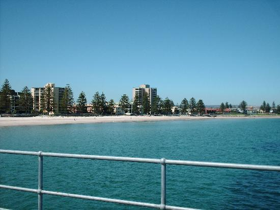 Franklin Central Apartments: Adelaide Beach