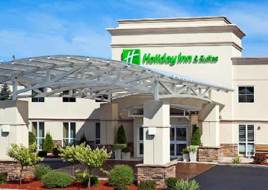 Holiday Inn Hotel & Suites Rochester - Marketplace: Hotel Exterior Daytime
