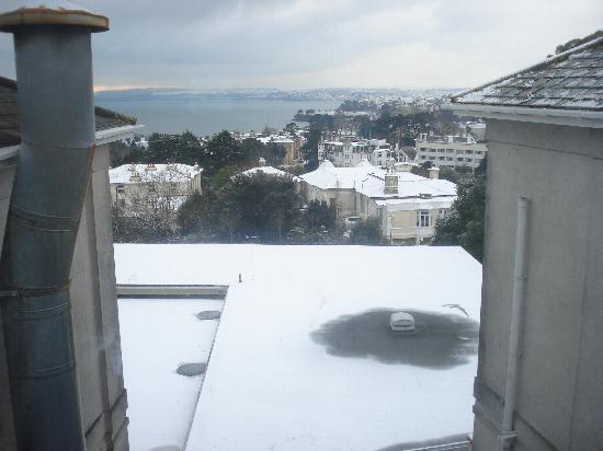 Templestowe Hotel: snowy sea view