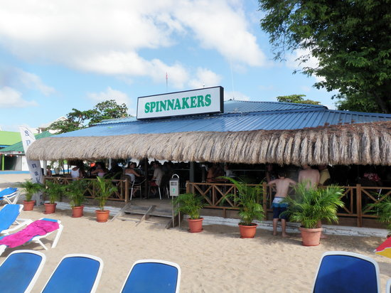 Spinnakers Beach Bar & Grill: From the beach
