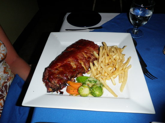 Buzz Seafood and Grill: Baby-back ribs