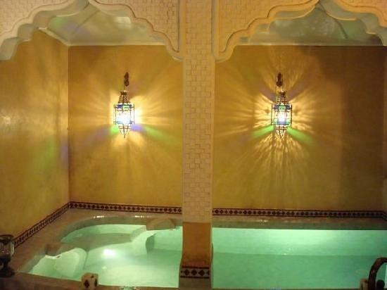 Riad Lorsya: piscine