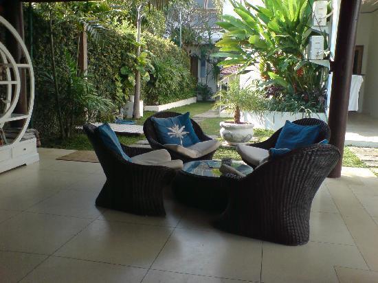 The Island Hotel: Lounge area