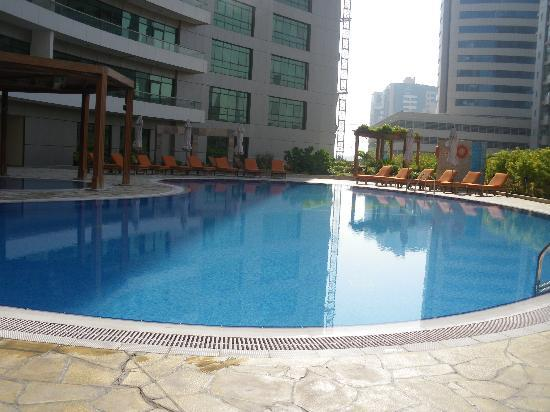 TIME Oak Hotel & Suites: pool area