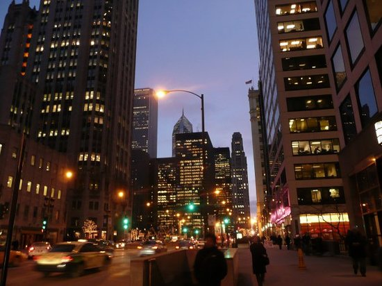 The Magnificent Mile: Die michigan am abend