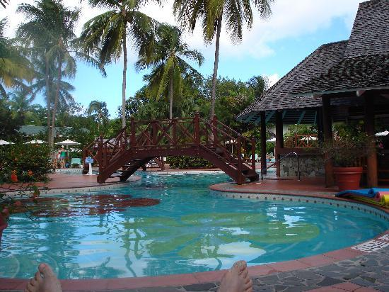 Sandals Halcyon Beach Resort : Paradise Pool