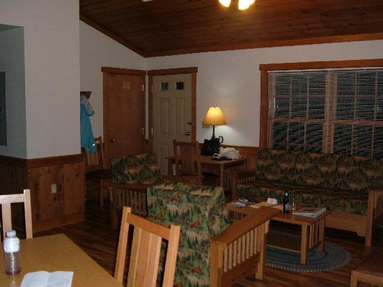 James River State Park: Living Room