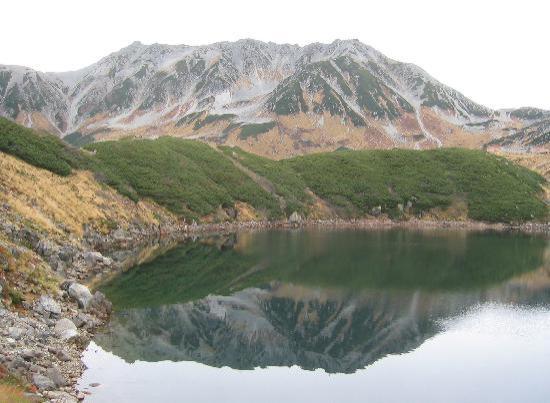 Mikurigaike Pond: みくりが池と立山