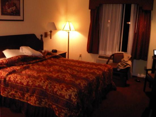Super 8 North Hollywood: My Super 8 room