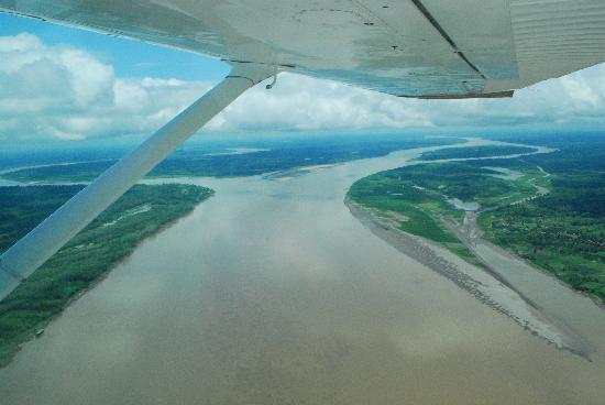 Iquitos, Peru: Nacimiento del Amazonas