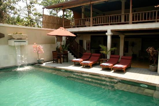 The Beach House Resort: 4 bedroom Villa pool