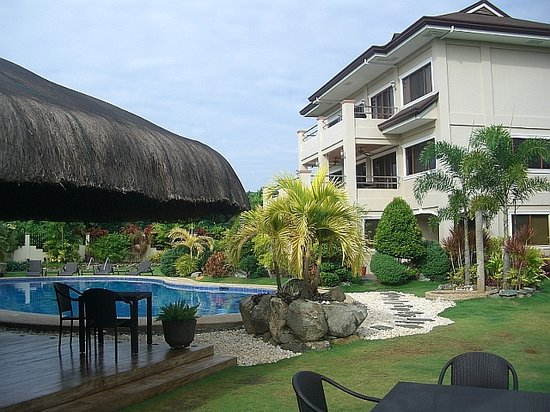 Alona Golden Palm Resort: View from garden