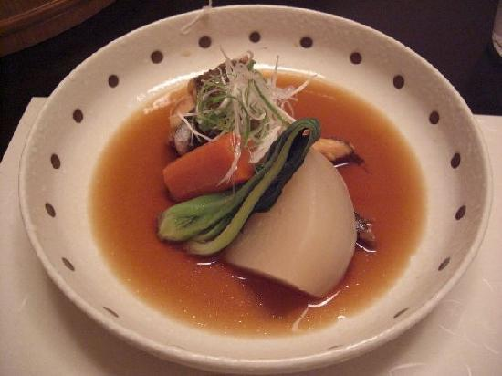 Umidori: 客室とは別の個室で食べられます。