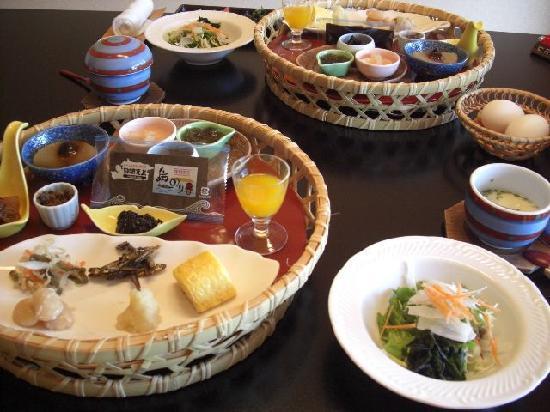 Umidori: 朝食です。
