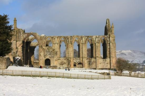 bolton abbey in the snow