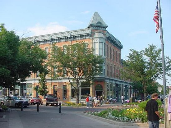 Форт-Коллинз, Колорадо: THe Linden Hotel in Old Town Fort Collins.  As a child I lived here with my parents for about a