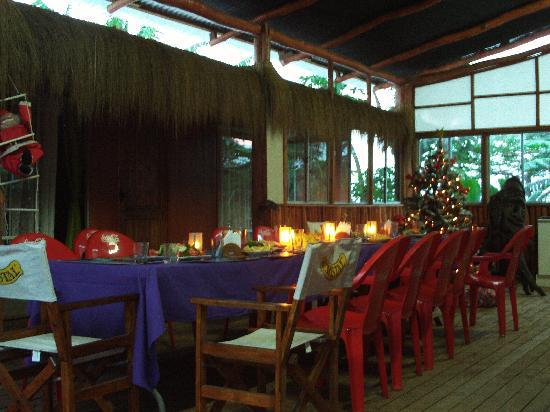 Kaimana Inn Hotel & Restaurant: Christmas Dinner, with the family, in the communal lounge area
