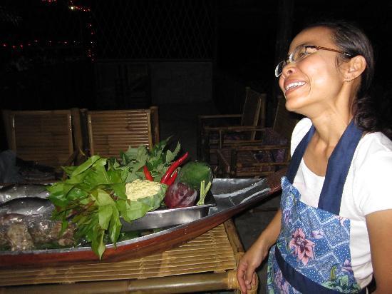 Kin Dee Restaurant: Ton, your gracious host