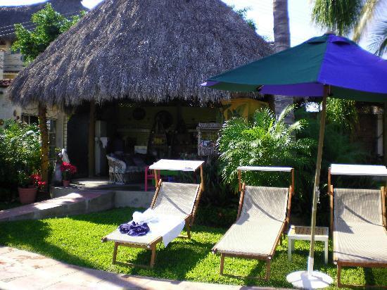 Villa Bella Bed and Breakfast Inn: Vista a la Palapa
