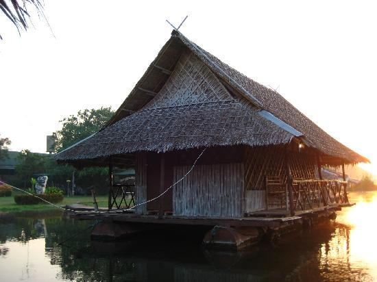 Bamboo House: Schwimmende Hütte