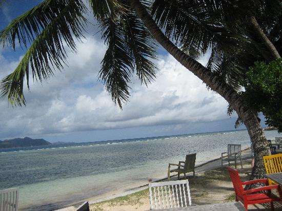 Gregoire's Apartments: Spiagga del La Digue Island Lodge dove c'è il ristorante