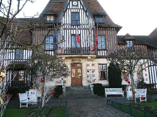 Domaine de l'Amiraute : Mairie de Deauville
