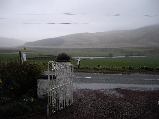 Holmlands Bed and Breakfast: View of the River Clyde from entrance