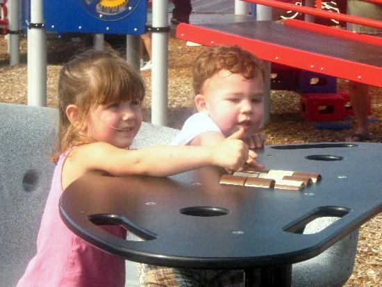 Lakes Regional Park : Train playground