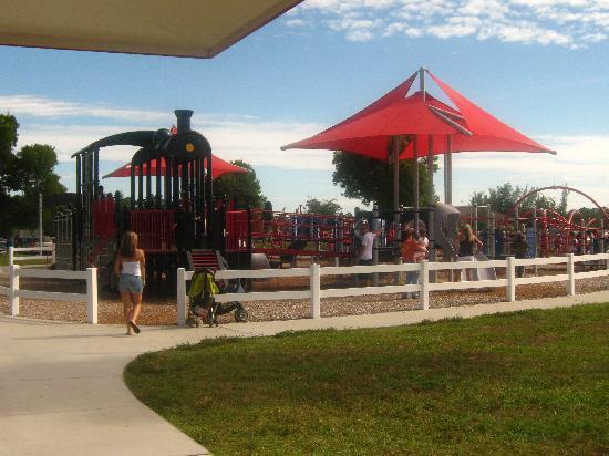 Lakes Regional Park : more playground fun