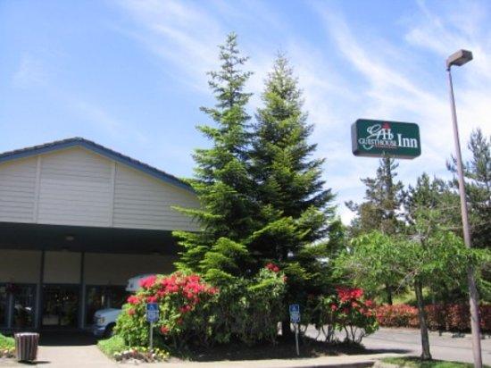 Auburn Red Lion Inn & Suites : Auburn GuestHouse Inn