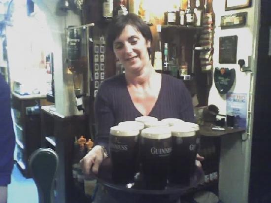 The Laurels Pub: Ah, Guinness?