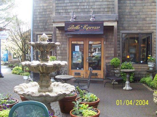 Bella Espresso: Village Centre