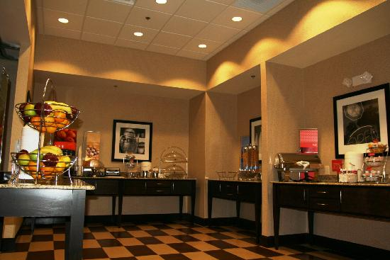 Hampton Inn Greenville: Hampton's On The House hot breakfast served daily 6am-10am
