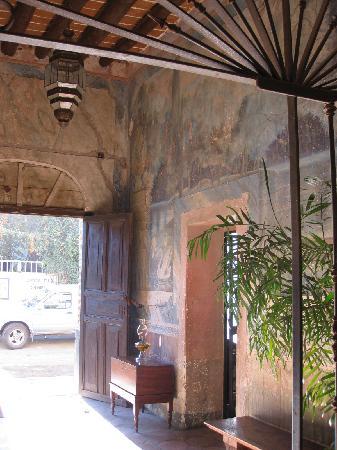Todos Santos Inn: Entry Hall