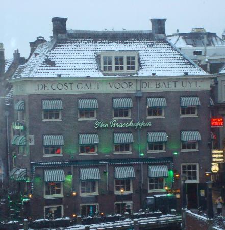 Orange Tulip Hotel: Great location