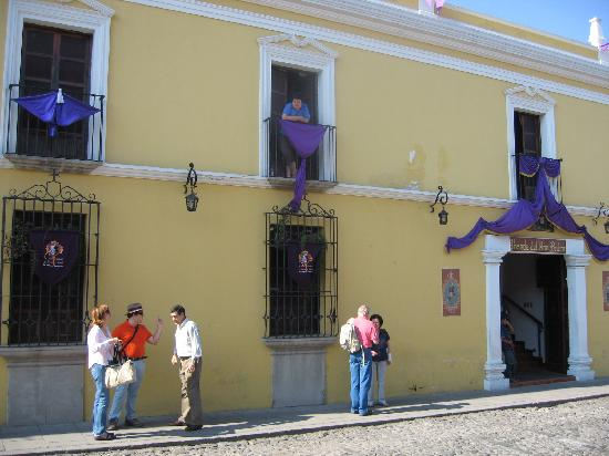 أوتيل بوزادا ديل إيرمانو بيدرو: Entrada del hotel