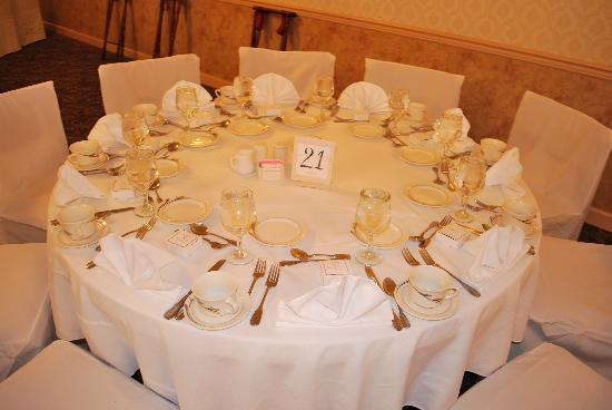 Quality Inn and Suites Lantern Lodge: Banquet Hall