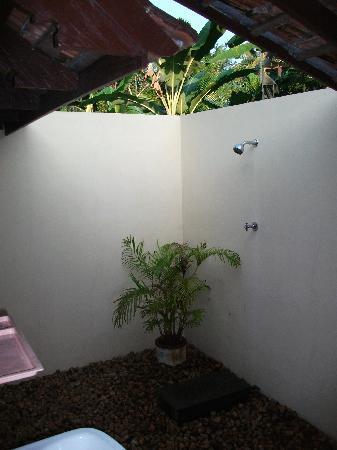Parnasaala: Openair bathroom